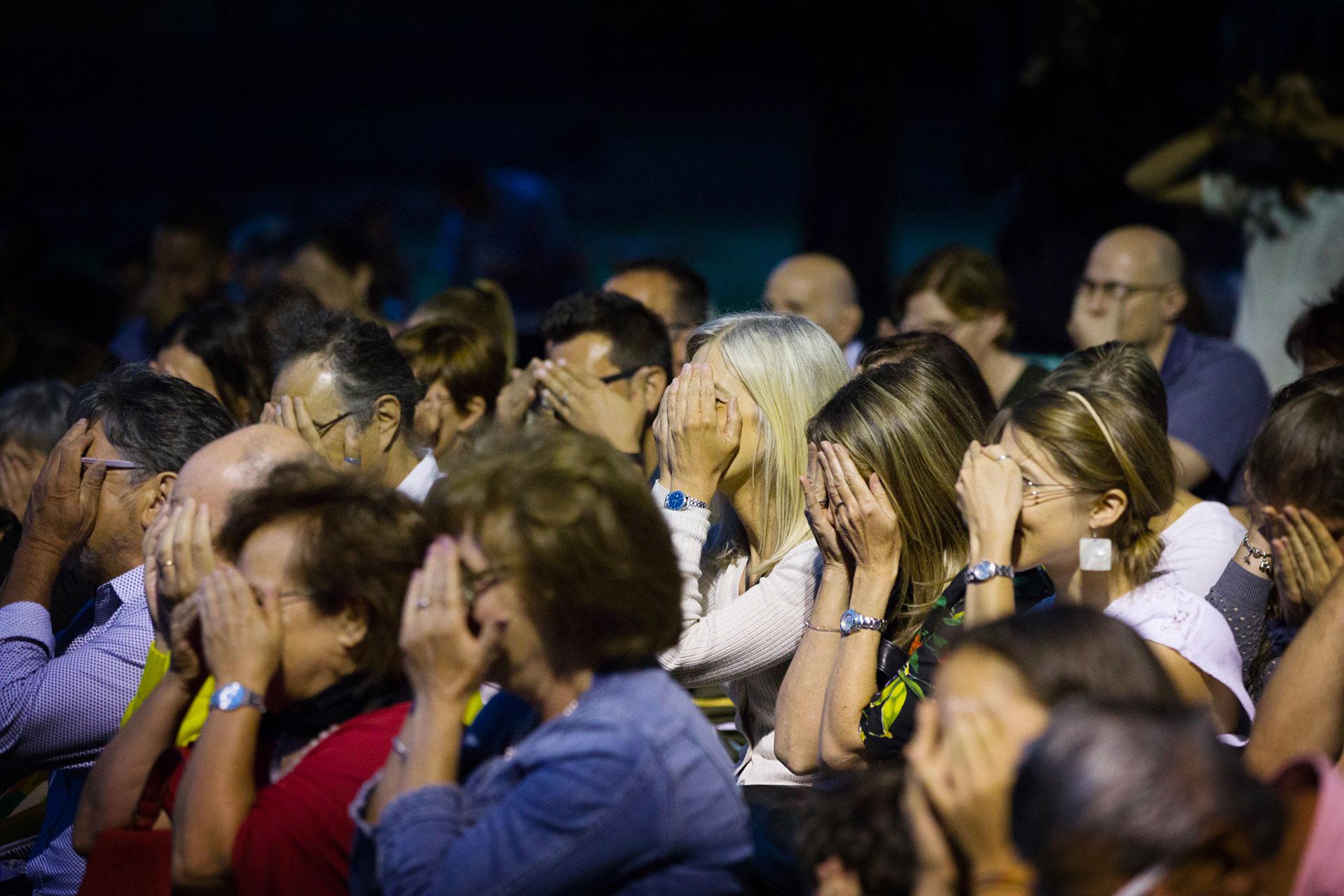 Il pubblico durante una delle repliche a teatro dello spettacolo Senza Zuccheri Aggiunti